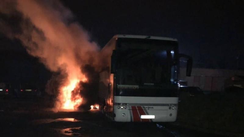 Игорь Зинкевич: радикалы подожгли автобус во Львове